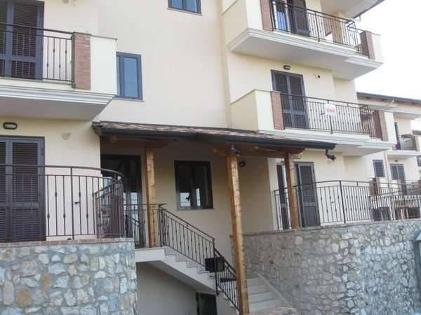 Appartamento in vendita a Alvignano, 2 locali, prezzo € 105.000 | CambioCasa.it