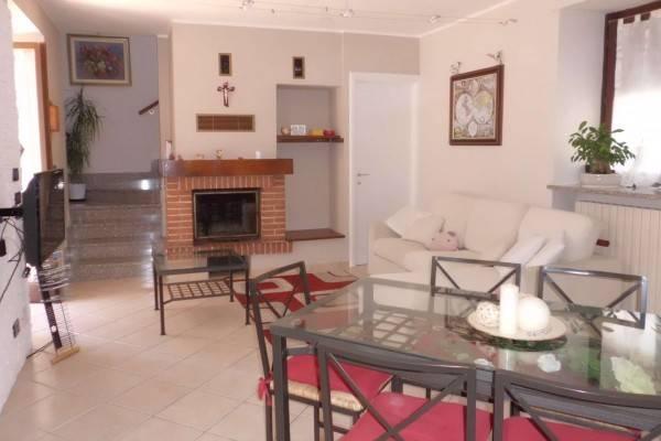 Villa in vendita a Bra, 3 locali, prezzo € 155.000 | CambioCasa.it