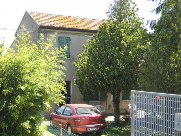Soluzione Indipendente in vendita a Ariano nel Polesine, 5 locali, prezzo € 40.000 | CambioCasa.it