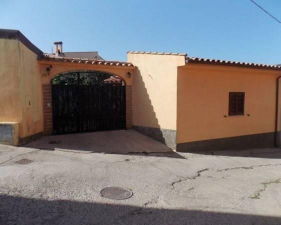 Rustico / Casale in vendita a Villaputzu, 6 locali, prezzo € 130.000 | CambioCasa.it