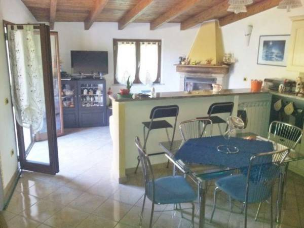 Villa in vendita a Vado Ligure, 6 locali, prezzo € 490.000 | CambioCasa.it