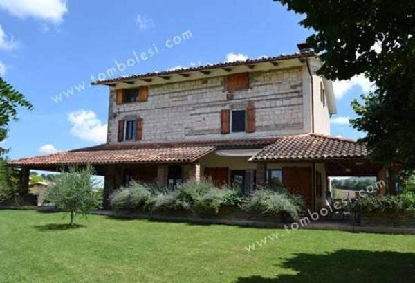 Rustico / Casale in vendita a Sassoferrato, 6 locali, prezzo € 640.000 | CambioCasa.it
