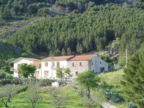 Rustico / Casale in vendita a Caltabellotta, 6 locali, prezzo € 670.000 | CambioCasa.it