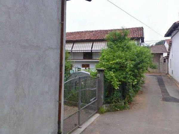 Villa in vendita a Piscina, 6 locali, prezzo € 140.000   CambioCasa.it