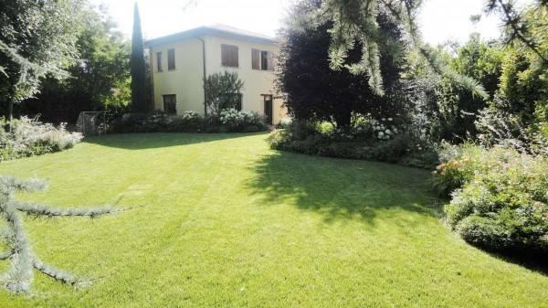 Villa in vendita a Treviglio, 6 locali, prezzo € 590.000   CambioCasa.it