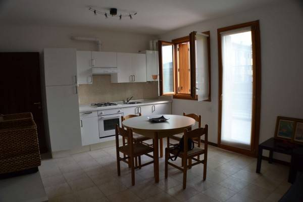 Appartamento in vendita a Villafranca di Verona, 2 locali, prezzo € 128.000 | CambioCasa.it