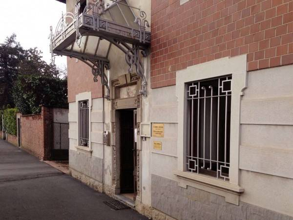 Ufficio / Studio in affitto a Induno Olona, 5 locali, prezzo € 650 | CambioCasa.it