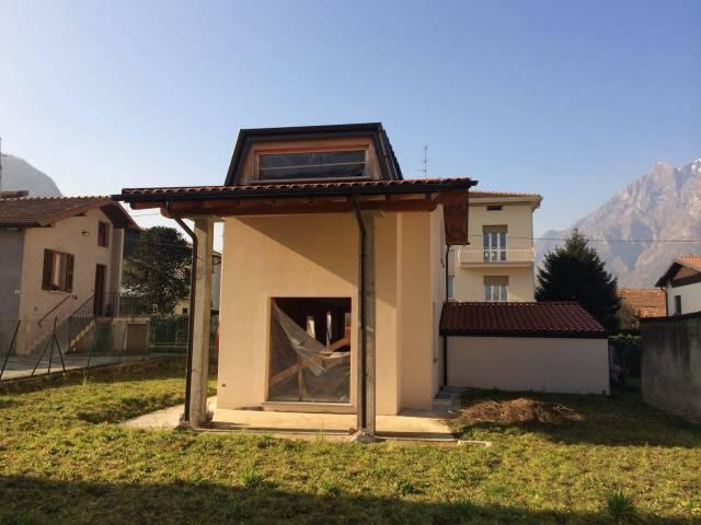 Villa in vendita a Malgrate, 6 locali, Trattative riservate | CambioCasa.it