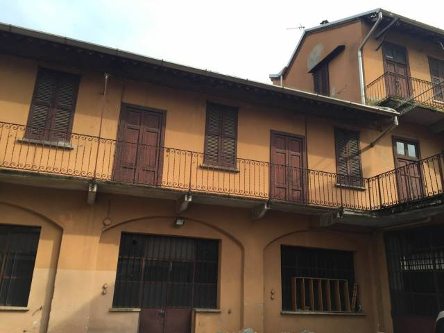 Soluzione Indipendente in vendita a Monza, 9999 locali, zona Zona: 4 . Regina Pacis, San Donato, prezzo € 220.000 | CambioCasa.it