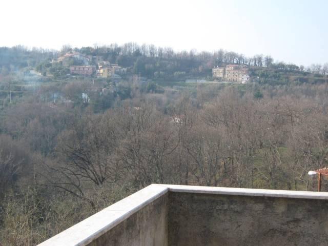 Villa in vendita a Marzano Appio, 6 locali, prezzo € 280.000   CambioCasa.it