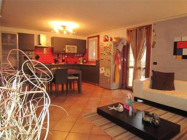 Villa a Schiera in vendita a San Prospero, 6 locali, prezzo € 159.000   CambioCasa.it