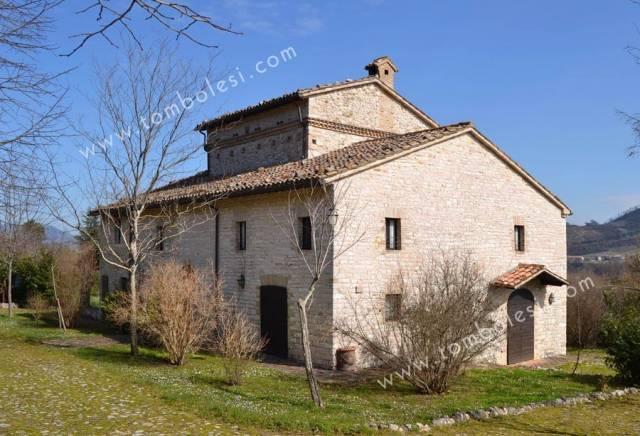 Rustico / Casale in vendita a Cagli, 6 locali, prezzo € 950.000   CambioCasa.it
