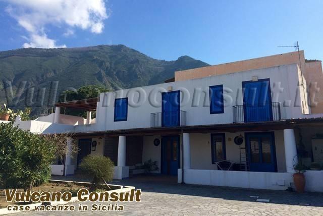 Villa in vendita a Malfa, 6 locali, prezzo € 850.000 | CambioCasa.it