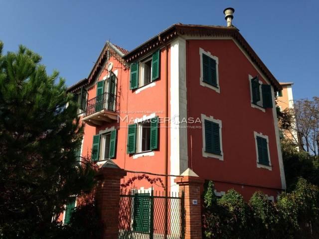 Villa in vendita a Ceranesi, 6 locali, prezzo € 295.000 | CambioCasa.it