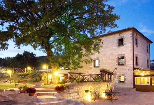Rustico / Casale in vendita a Sassoferrato, 6 locali, prezzo € 790.000 | CambioCasa.it