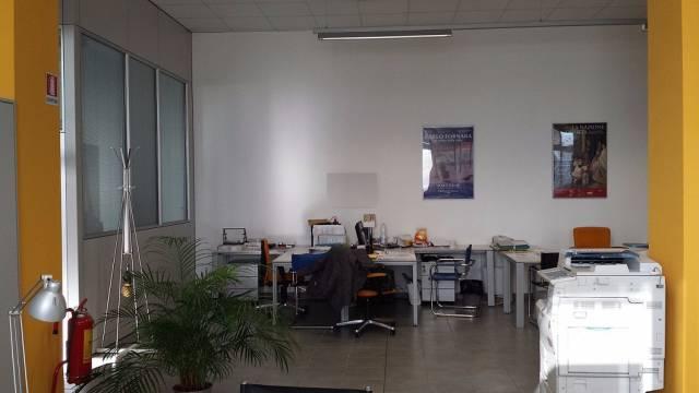 Magazzino in affitto a Torino, 6 locali, zona Zona: 12 . Barca-Bertolla, Falchera, Barriera Milano, Corso Regio Parco, Rebaudengo, prezzo € 6.500 | CambioCasa.it