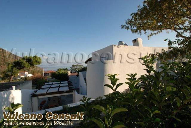Villa in vendita a Leni, 5 locali, prezzo € 650.000 | CambioCasa.it