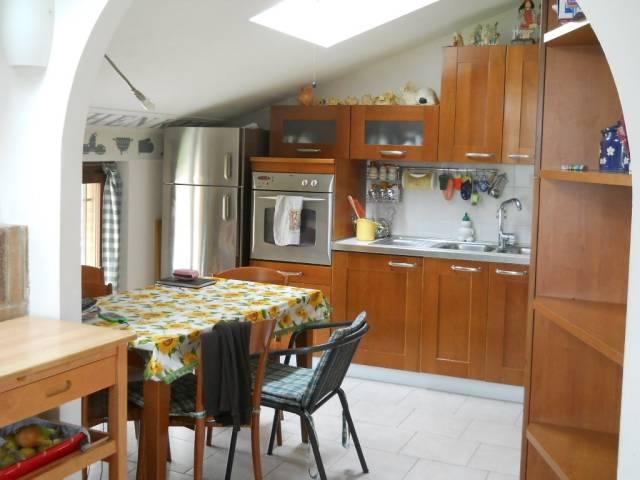 Appartamento in vendita a Uboldo, 2 locali, prezzo € 135.000 | CambioCasa.it