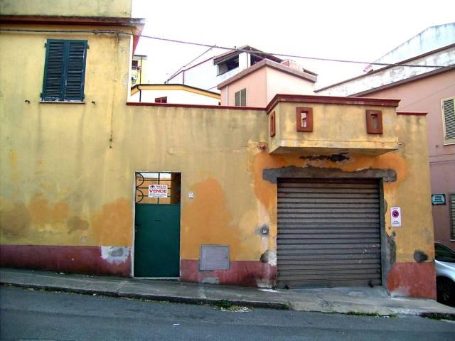 Soluzione Indipendente in vendita a Dorgali, 6 locali, prezzo € 110.000 | CambioCasa.it