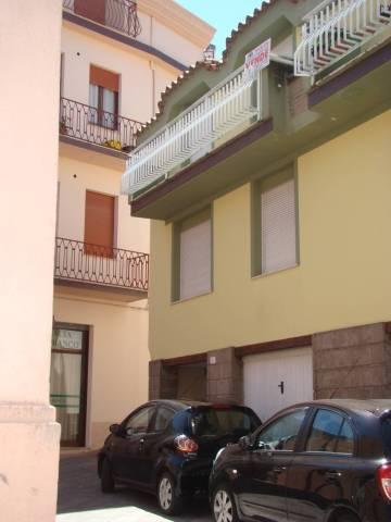 Soluzione Indipendente in vendita a Dorgali, 6 locali, prezzo € 160.000 | CambioCasa.it