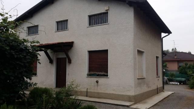 Villa in vendita a Cermenate, 4 locali, prezzo € 241.000   CambioCasa.it