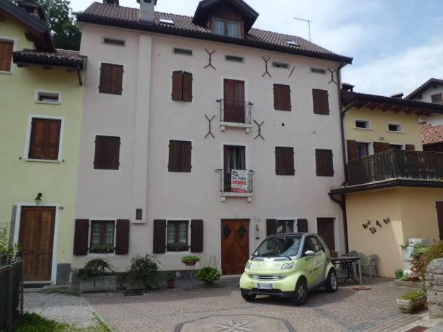 Palazzo / Stabile in vendita a Chies d'Alpago, 9999 locali, Trattative riservate | CambioCasa.it