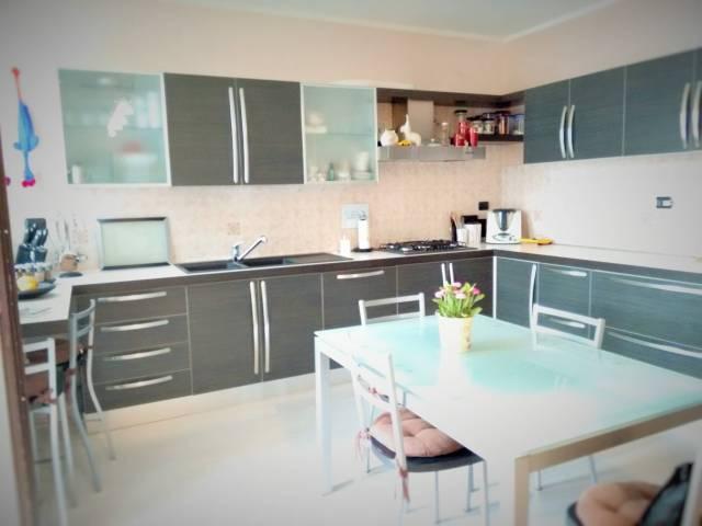 Appartamento in vendita a Cervasca, 4 locali, prezzo € 185.000 | CambioCasa.it