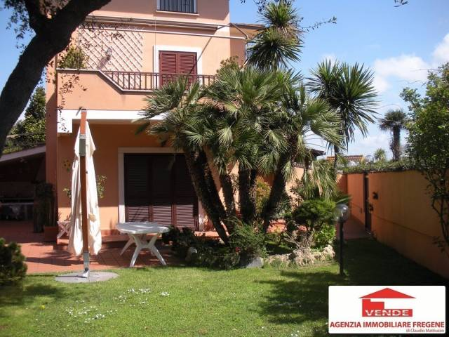 Villa in vendita a Fiumicino, 9999 locali, prezzo € 590.000 | CambioCasa.it