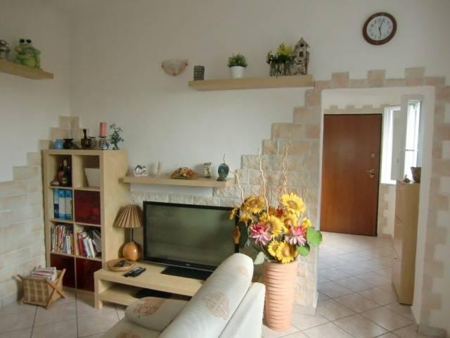 Soluzione Indipendente in vendita a Cesana Brianza, 4 locali, prezzo € 145.000 | CambioCasa.it