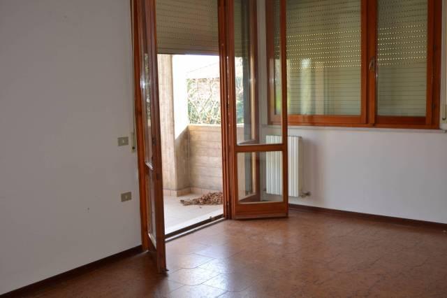 Appartamento in vendita a Mondavio, 6 locali, prezzo € 98.000   CambioCasa.it
