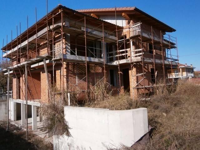 Villa in vendita a Mazzè, 6 locali, prezzo € 140.000 | CambioCasa.it