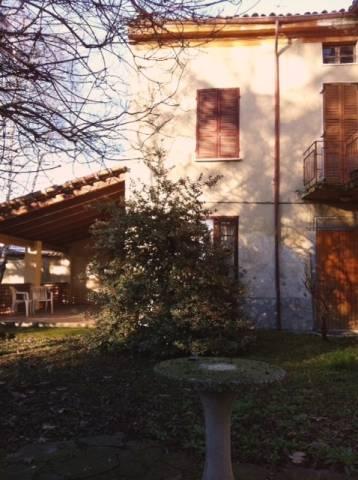 Rustico / Casale in Vendita a Ziano Piacentino