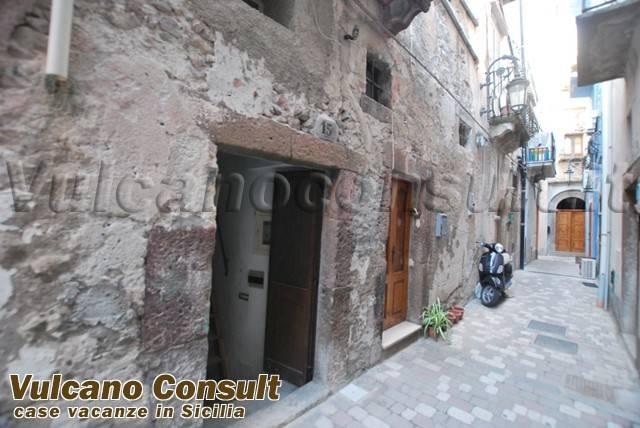Magazzino in vendita a Lipari, 2 locali, prezzo € 80.000 | CambioCasa.it