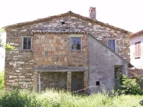 Rustico / Casale in vendita a Sassoferrato, 4 locali, prezzo € 34.000 | CambioCasa.it
