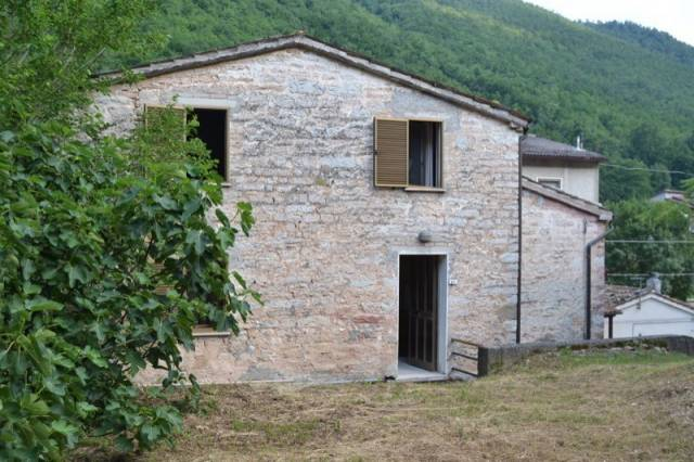 Rustico / Casale in vendita a Serra Sant'Abbondio, 6 locali, prezzo € 68.000 | CambioCasa.it
