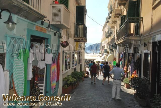 Negozio / Locale in vendita a Lipari, 3 locali, prezzo € 225.000 | CambioCasa.it