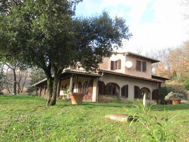 Villa in vendita a Sorano, 6 locali, prezzo € 770.000 | CambioCasa.it