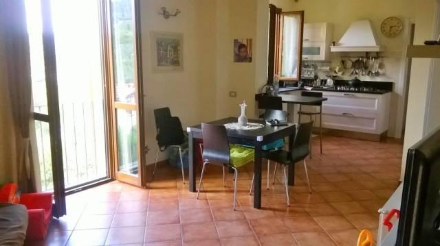 Appartamento in vendita a Carmignano, 4 locali, prezzo € 170.000 | CambioCasa.it