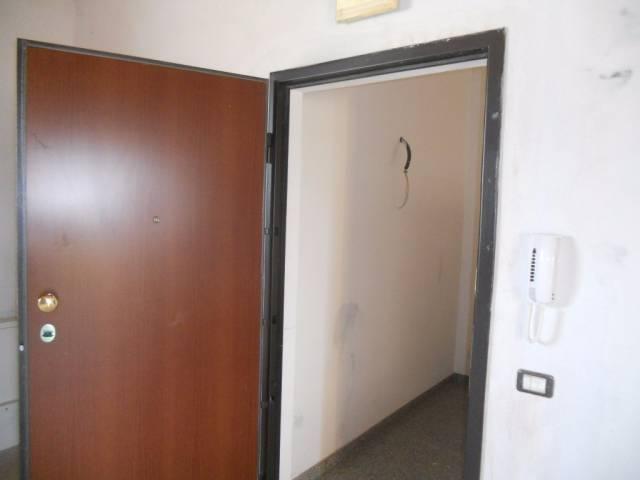 Ufficio / Studio in affitto a Luzzara, 2 locali, prezzo € 500 | CambioCasa.it