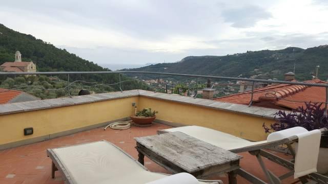 Palazzo / Stabile in vendita a Finale Ligure, 6 locali, prezzo € 650.000 | CambioCasa.it