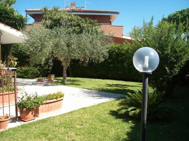 Villa in vendita a Ladispoli, 4 locali, prezzo € 370.000 | CambioCasa.it