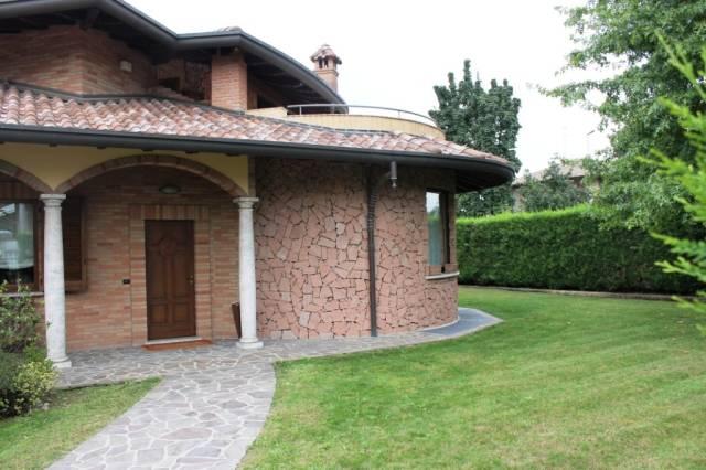 Villa in vendita a Olgiate Olona, 4 locali, prezzo € 590.000 | CambioCasa.it