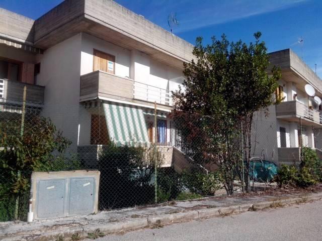 Appartamento in vendita a Lecce nei Marsi, 3 locali, prezzo € 40.000   CambioCasa.it