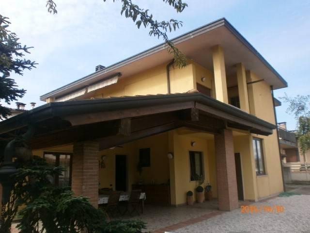 Villa in vendita a Costabissara, 6 locali, prezzo € 400.000 | CambioCasa.it