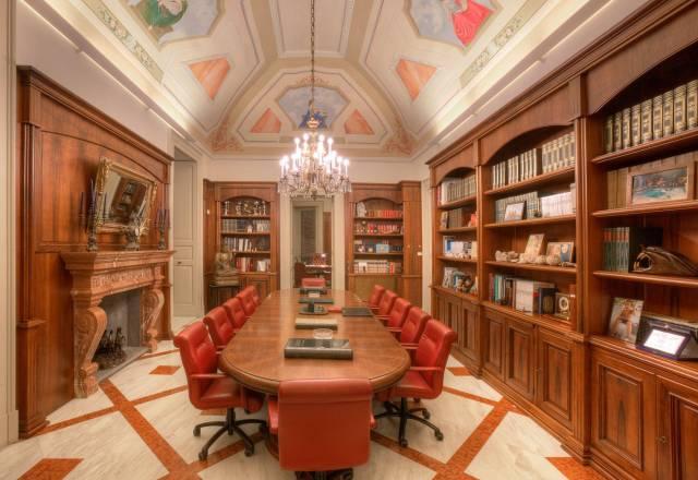 Palazzo / Stabile in vendita a Lecce, 6 locali, Trattative riservate | CambioCasa.it