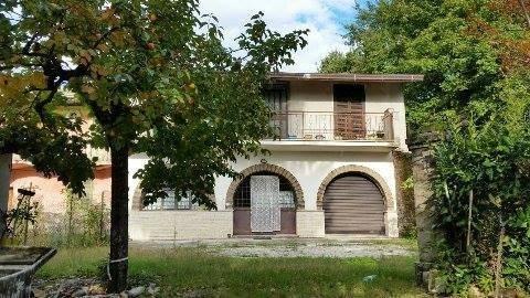 Villa in vendita a Frosinone, 6 locali, prezzo € 175.000   CambioCasa.it