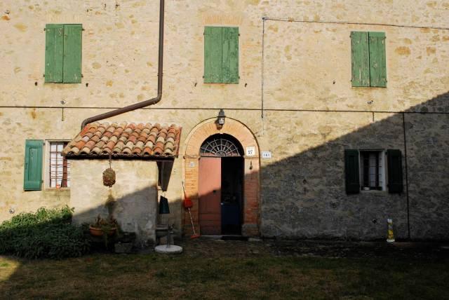Villa in vendita a Zocca, 6 locali, prezzo € 400.000 | CambioCasa.it