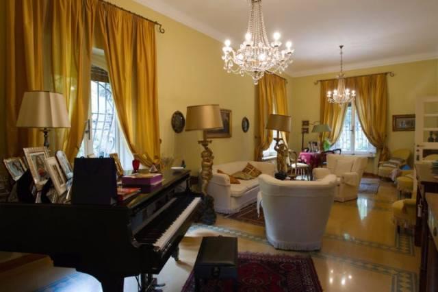Villa in vendita a Macerata, 9999 locali, Trattative riservate | CambioCasa.it