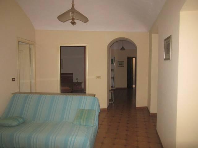 Appartamento in vendita a Acqui Terme, 3 locali, prezzo € 57.000 | CambioCasa.it