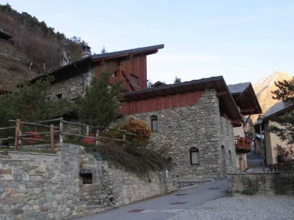 Villa in vendita a Valpelline, 6 locali, prezzo € 210.000 | CambioCasa.it